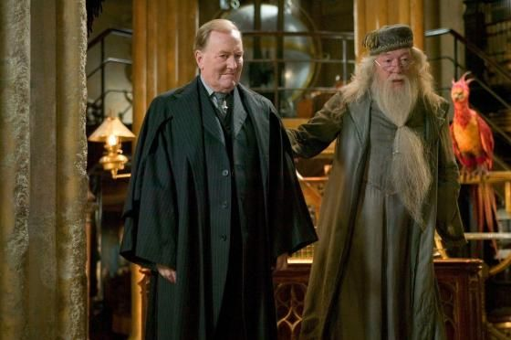 Robert Hardy The British Actor Known For His Role In All Creatures Great And Small And The Harry Potter Films Robert Hardy Hogwarts Professors Michael Gambon