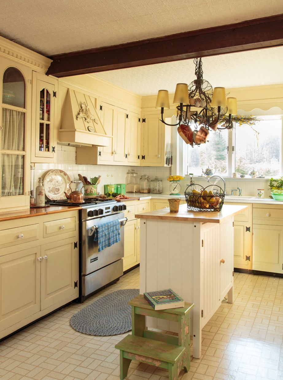 Everafter Farm Circa Old Houses Old Houses For Sale And Historic Real Estate Lis Old Farmhouse Kitchen Kitchen Cabinets For Sale Farmhouse Kitchen Cabinets