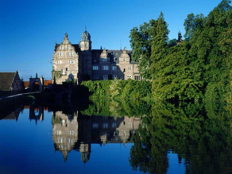Jasager sind im Schloss Hmelschenburg in Emmerthal