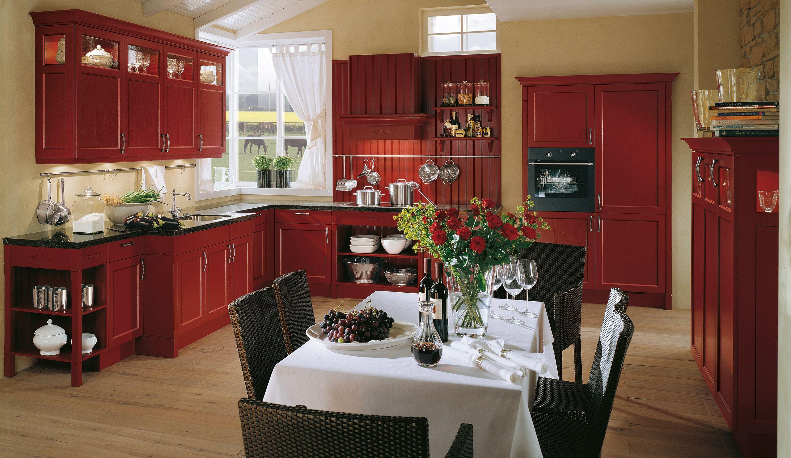 Rustikale Einbauküche Spinell Weinrot | Landküchendesign ...