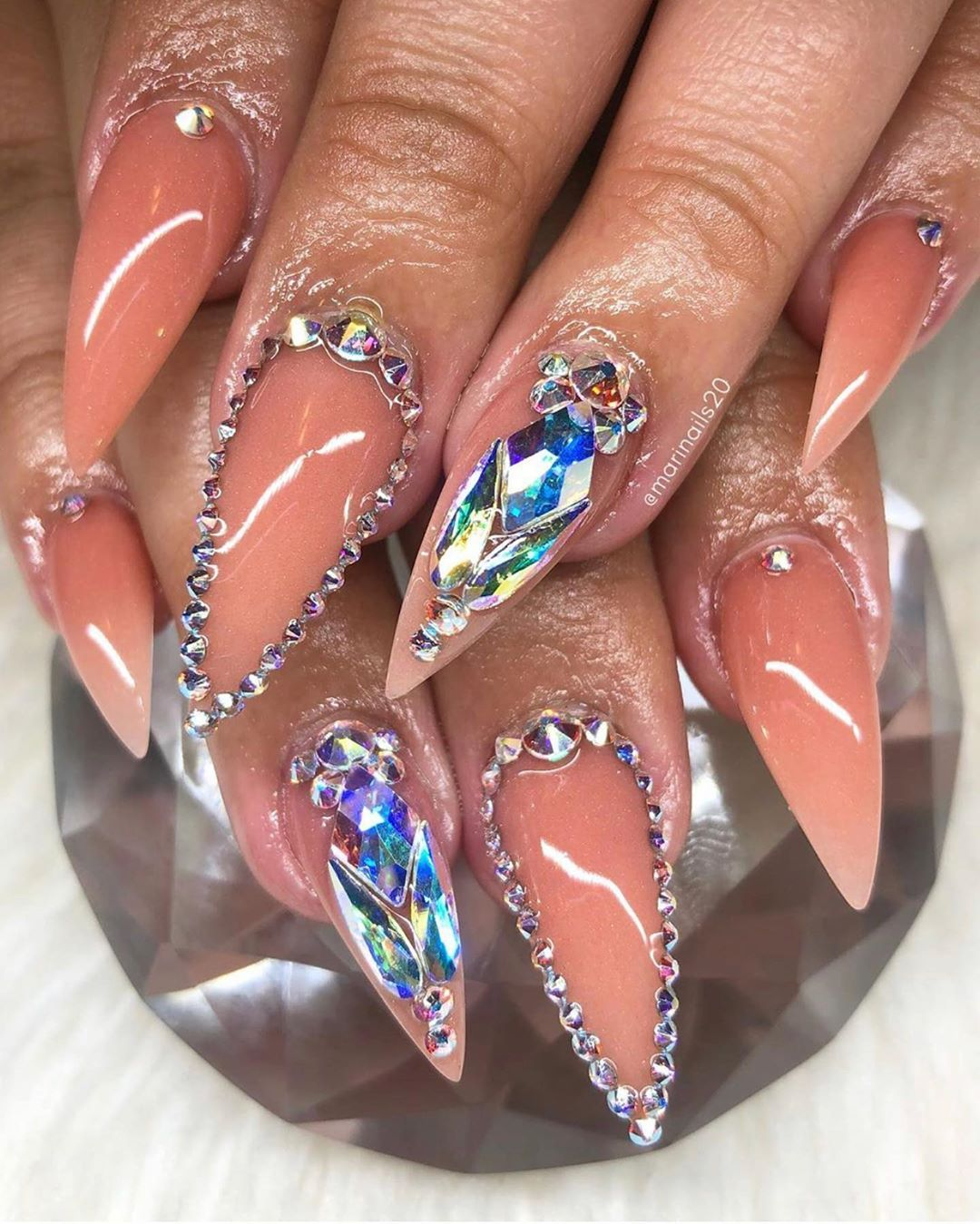 how to shape almond nails natural