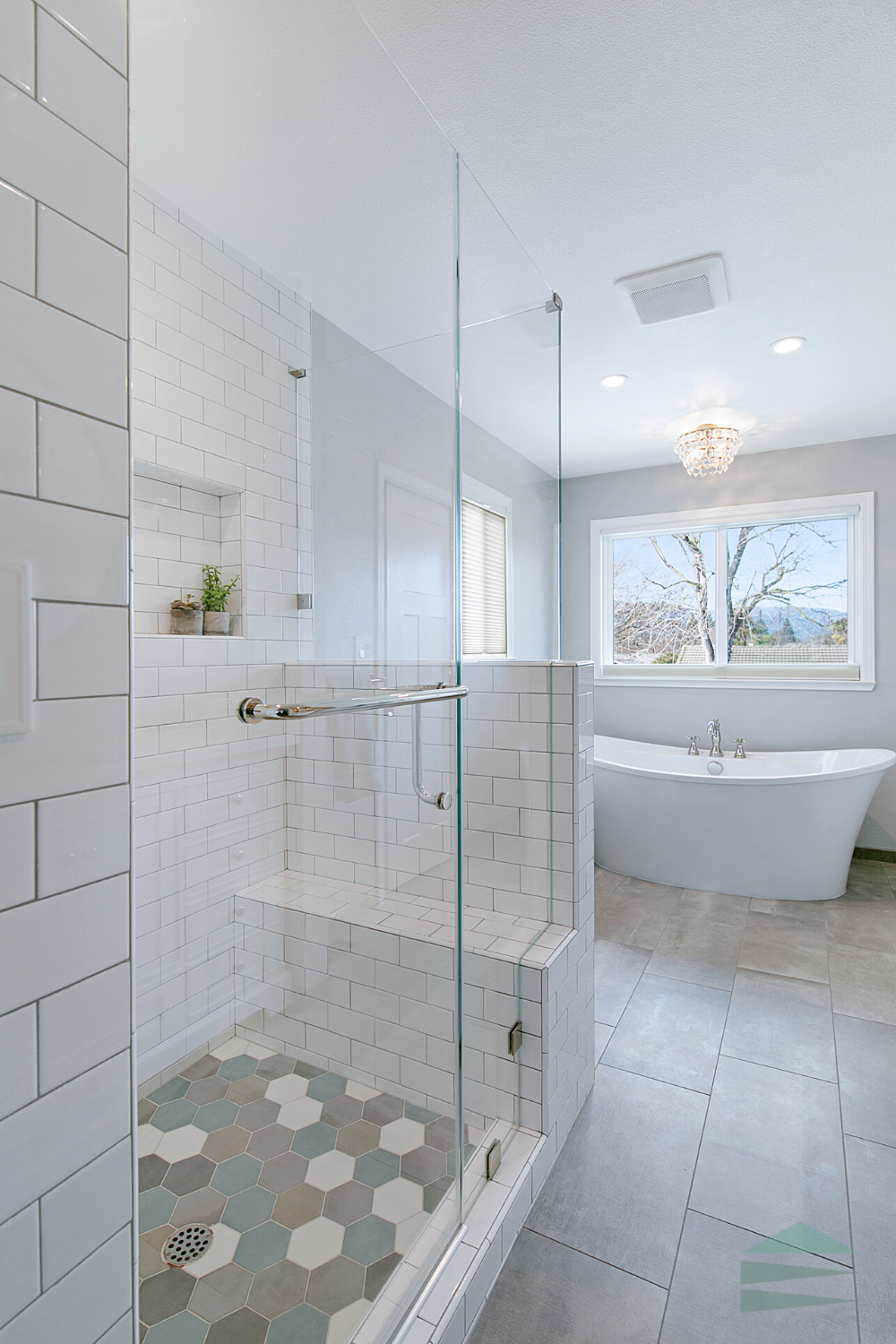 All White Transitional Bathroom Remodel Bathroom Design Layout Master Bathroom Layout Bathrooms Remodel