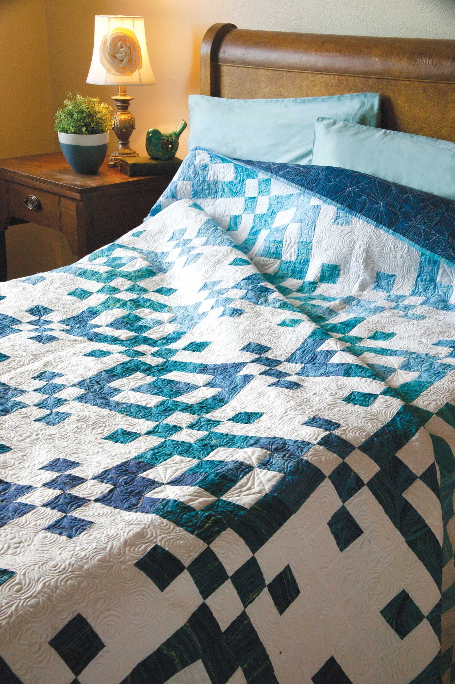Edinburgh Square Softly Graded Queen Size Quilt Pattern