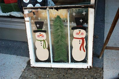 Country Lane Crafts and Antiques: There's a snowman in that window