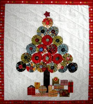 Jovial Christmas Tree Wall Hanging with yo-yos made from Moda Bakeshop fabrics...tutorial included