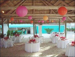 Simple Outdoor Wedding Decororation 300x228 Simple Outdoor Wedding Decororation