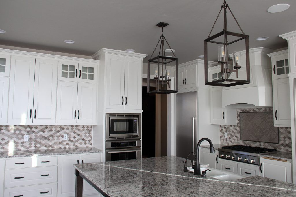 Gray And Beige Tile Kitchen Backsplash With Accent Tile Stove Beige Kitchen Beige Tile Kitchen Small Kitchen
