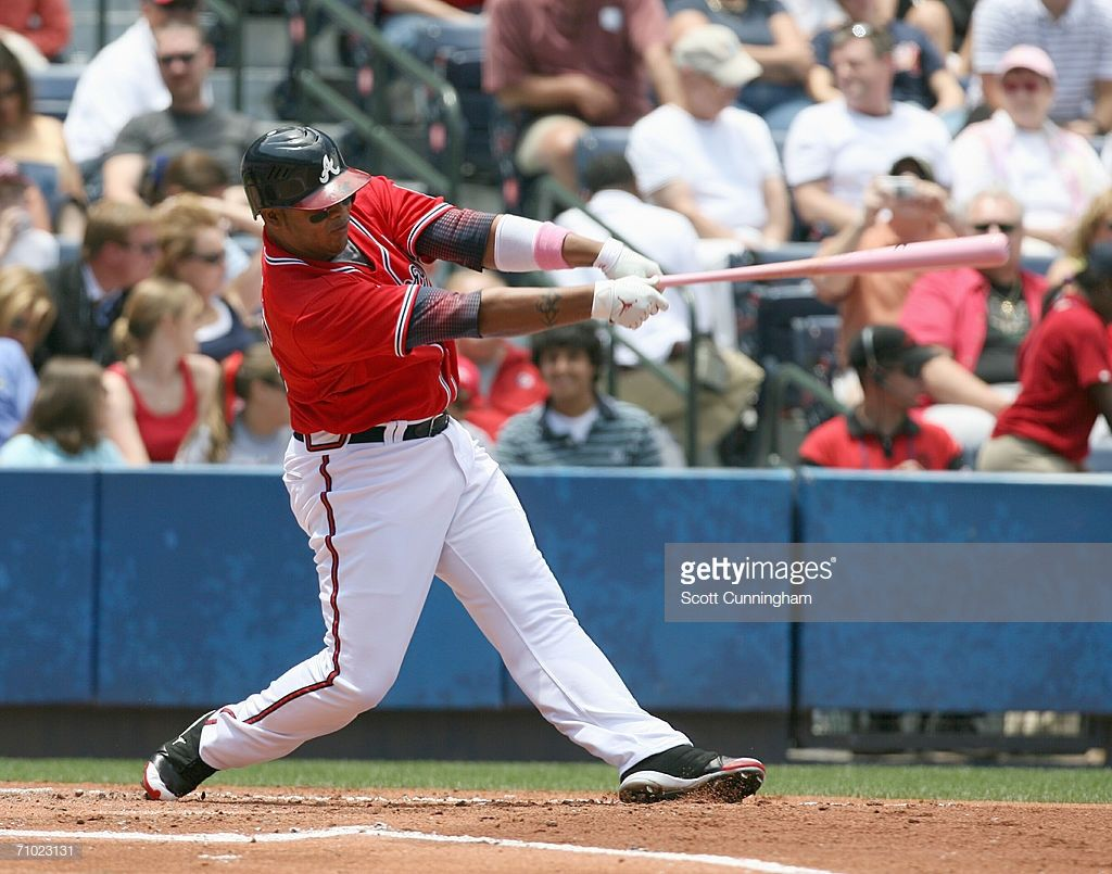Andruw Jones Of The Atlanta Braves Hits With A Pink Bat In Honor Of Atlanta Braves Braves Atlanta