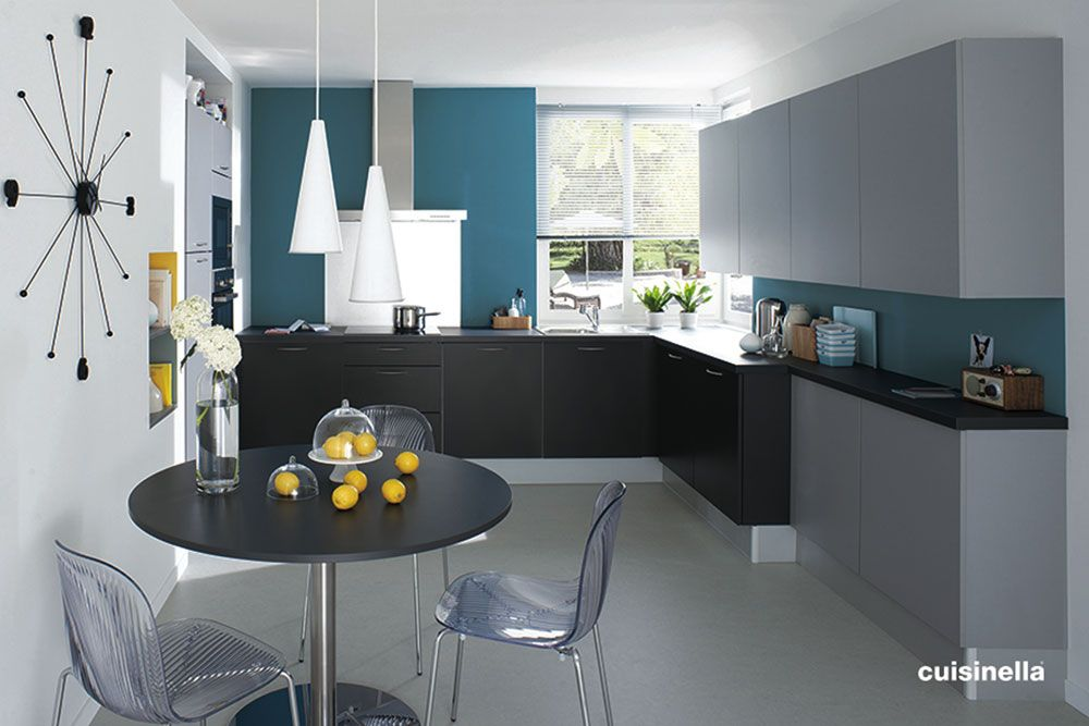 couleur et d co le jaune et le bleu en cuisine cuisine. Black Bedroom Furniture Sets. Home Design Ideas