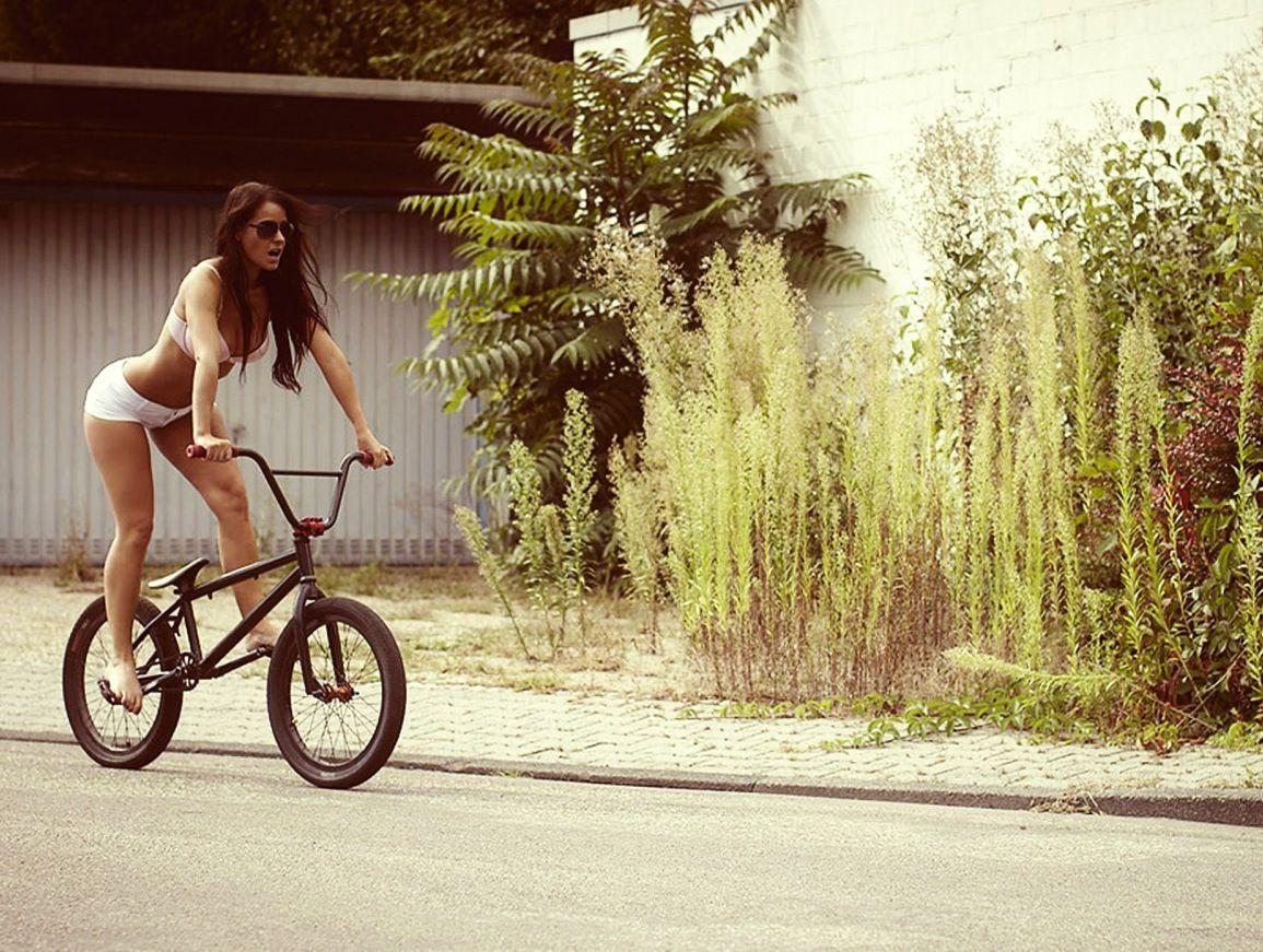 sexy girls bikes wallpapers - photo #27