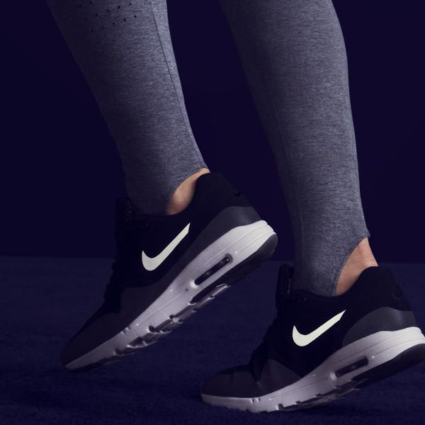 NIKE, Inc. - Nike Showcases Spring 2015 Women's Collection