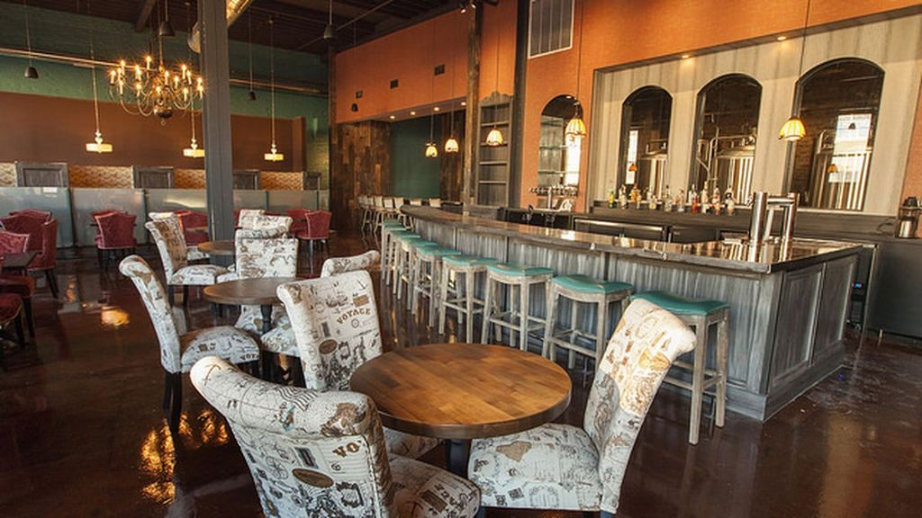 June vibes tasting room craft beer chicago restaurants