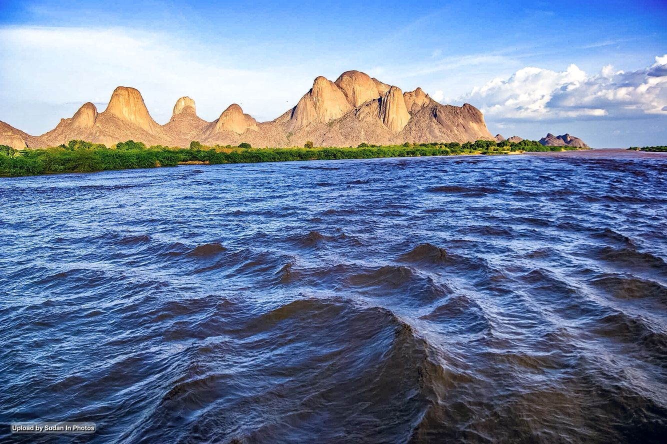 Al Taka Mountains And Al Gash River When It S Flooded Kassala جبال التاكا وفيضان نهر القاش كسلا السودان Sudan Taka Kassa Natural Landmarks Photo Travel