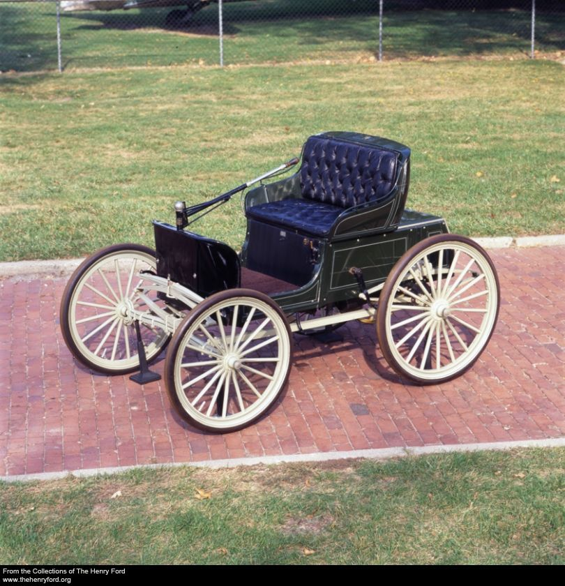 1896 Duryea Runabout - considered to be America\'s first gasoline ...