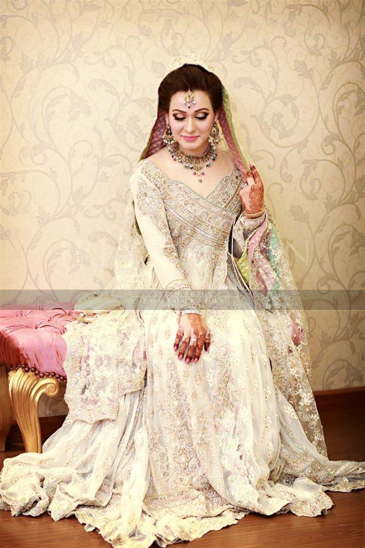 53 White & Cream Inspirational Pakistani Bridal Outfits {Irfan Ahson ...
