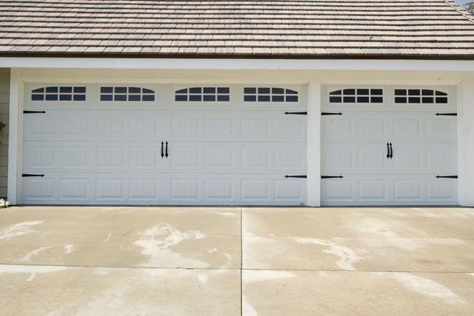 Hildebrand Carriage Jpg 675 450 Garage Doors Garage Doors For Sale Garage Door Spring Repair