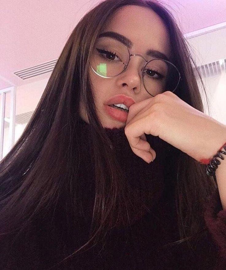 Kata Kata Aesthetic Girl Selfie Ideas Instagram Selfie Poses