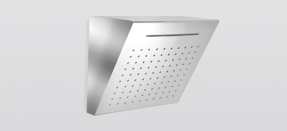 Inclined closed steel square shower head available in polished or satinated finish