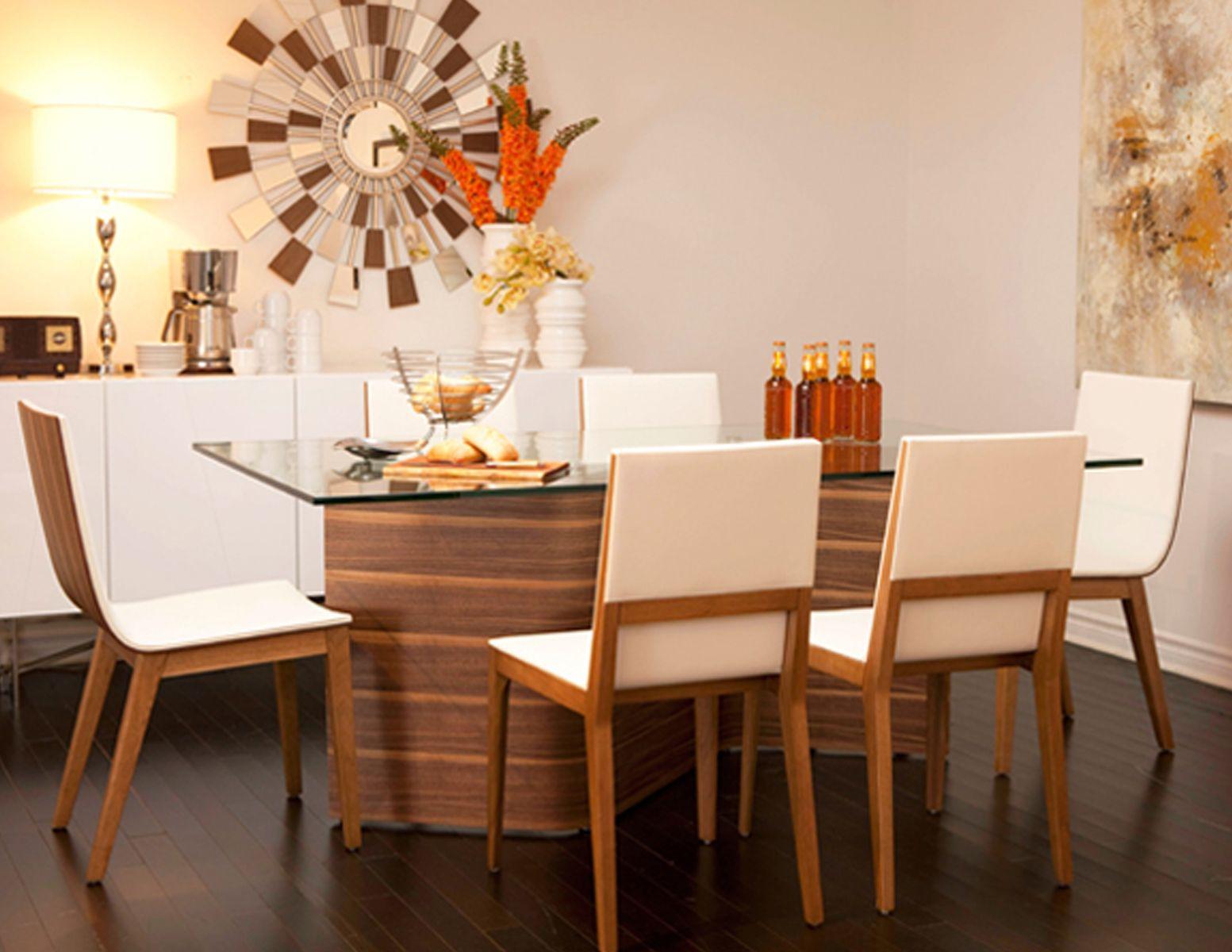 table de salle manger de style moderne en noyer avec plateau de verre philippe