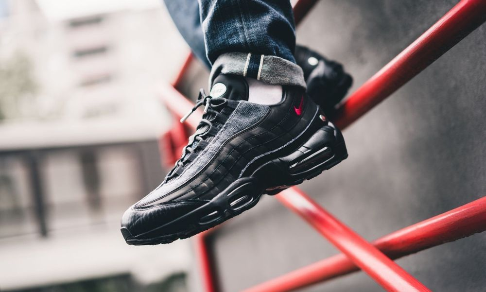 e329694a22d37 Nike Air Max 95 NRG | Black/Red/Anthracite | Mens Trainers [AT6146 ...