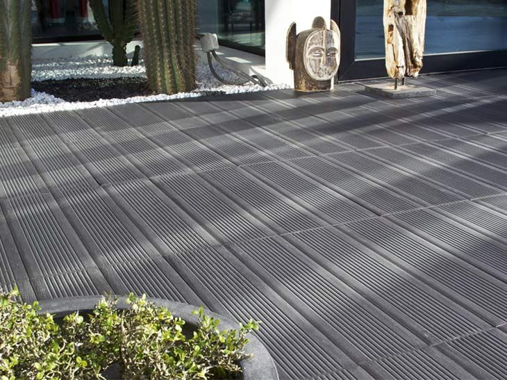 Carrelage antid rapant ext rieur noir pour la terrasse for Photo terrasse carrelage gris