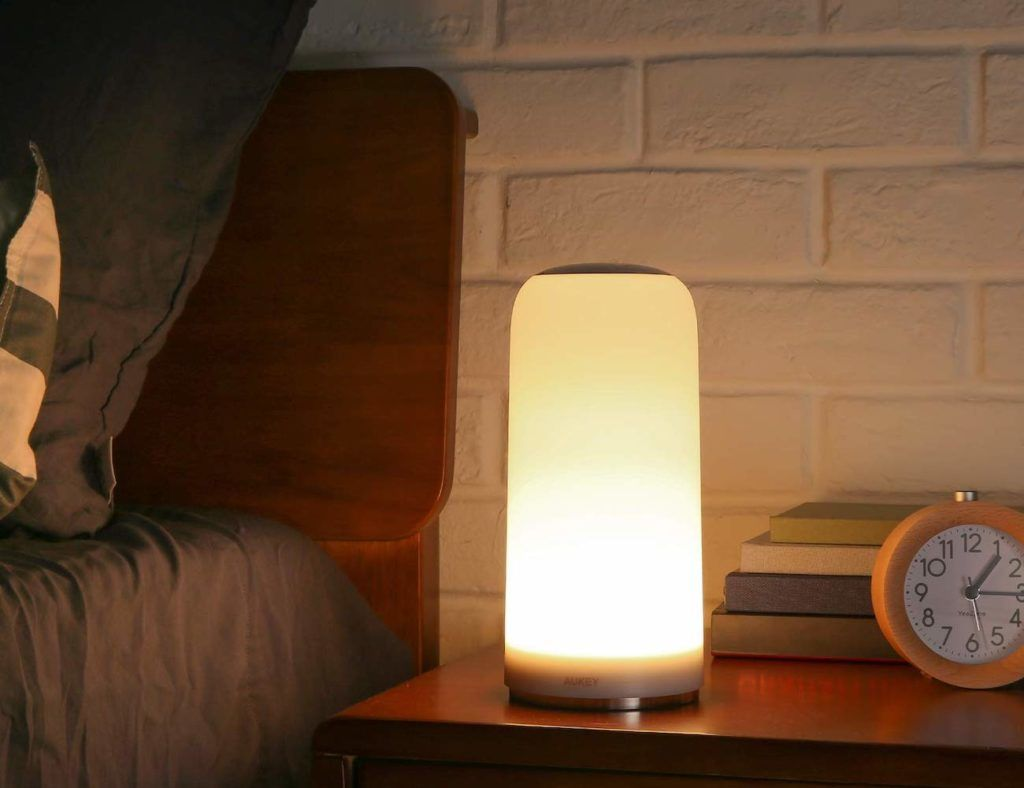 Aukey Touch Sensitive Table Lamp Provides The Perfect Amount Of Light Lamp Lamp Switch Hanging Lights