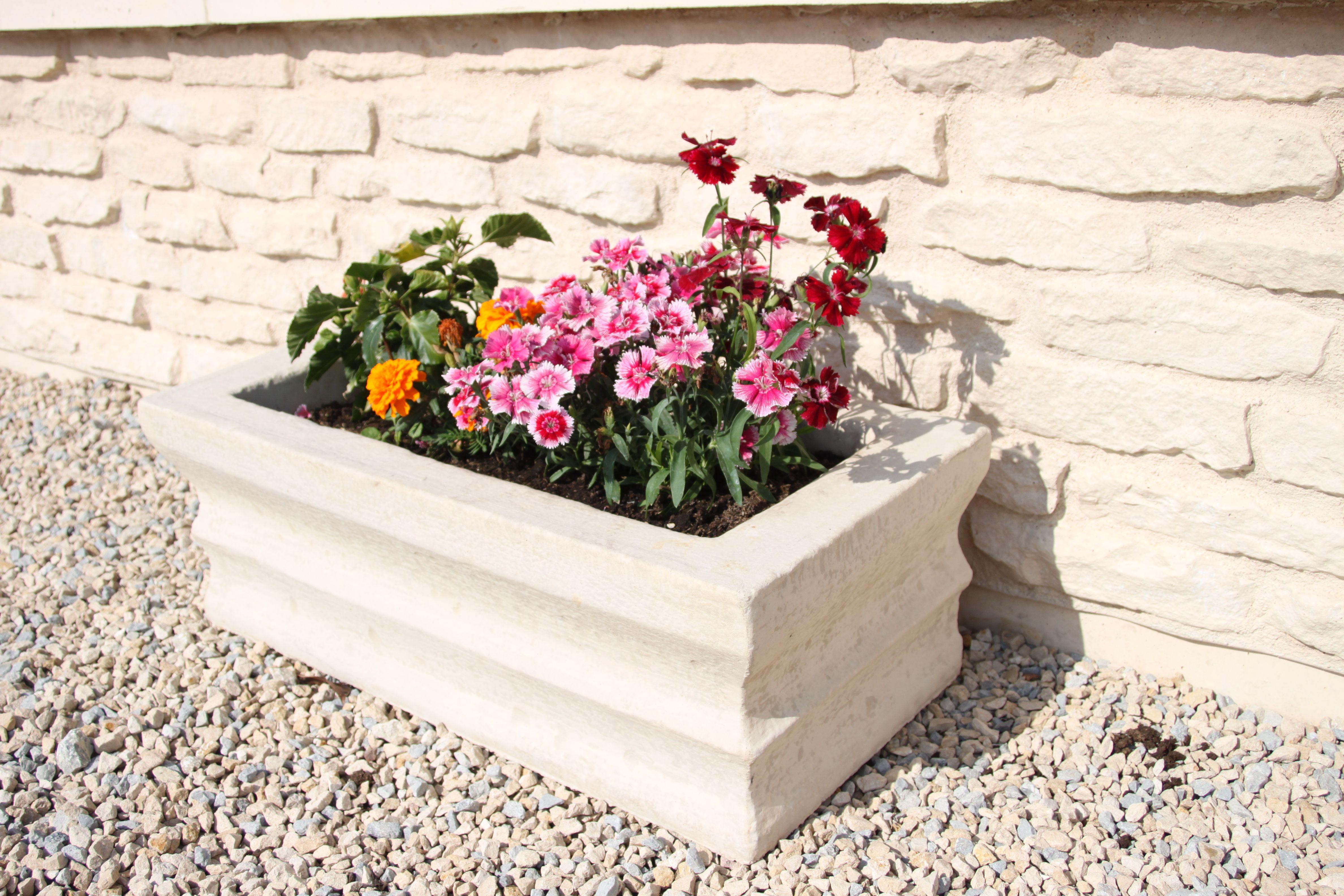 auge en pierre reconstituee fausse pierre jardiniere en pierre pierre reconstituee beton prefabrique