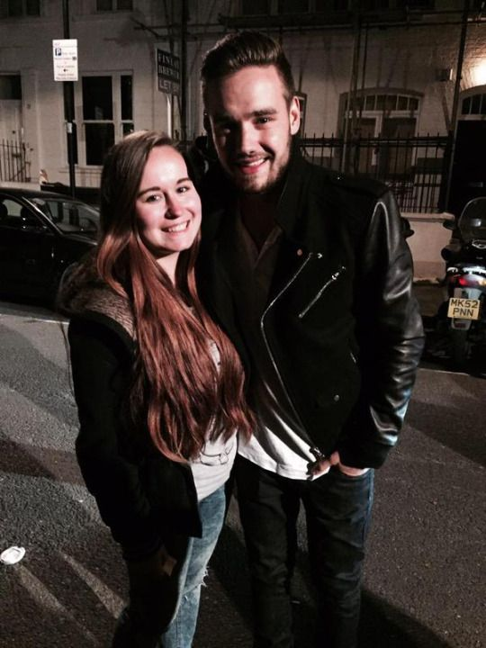 Liam with fans in London tonight (: (5/1/15)