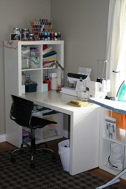 Mesa y estanter a expedit de ikea para un peque o rincon - Mesa de trabajo ikea ...