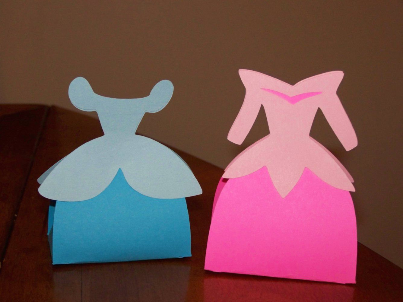 Disney Princess favor boxes made from the bride favor box from Tie ...