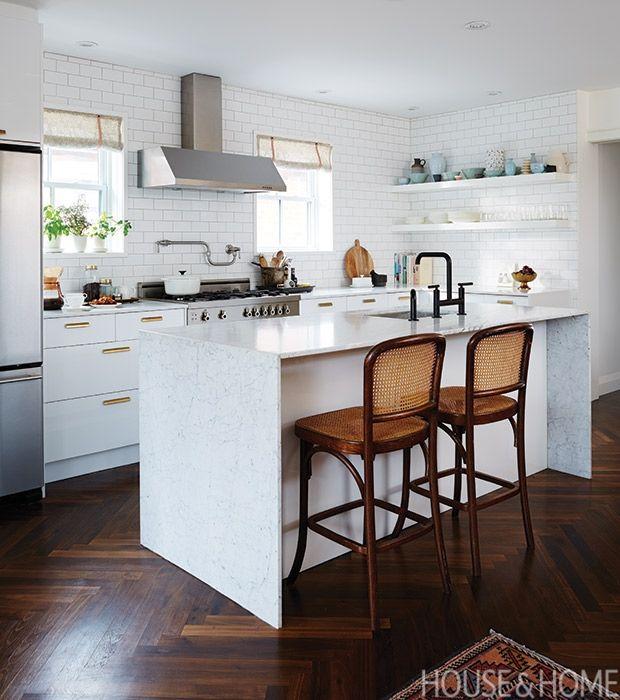 14 Bistro And Restaurant-Style Kitchens