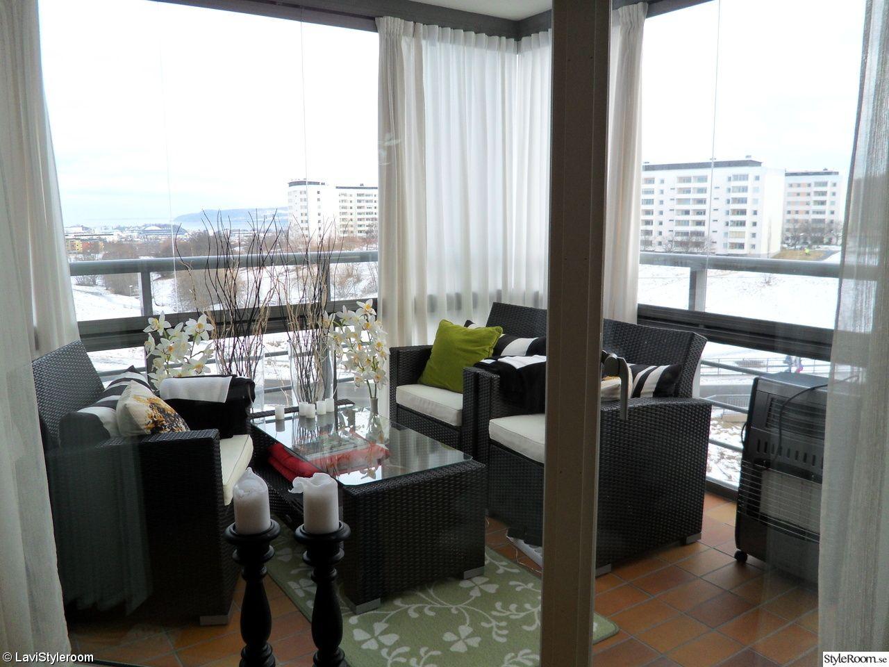 Inredning inglasning balkong : balkong,inglasad balkong,kuddar,gardiner,ljus   Nya läggan ...