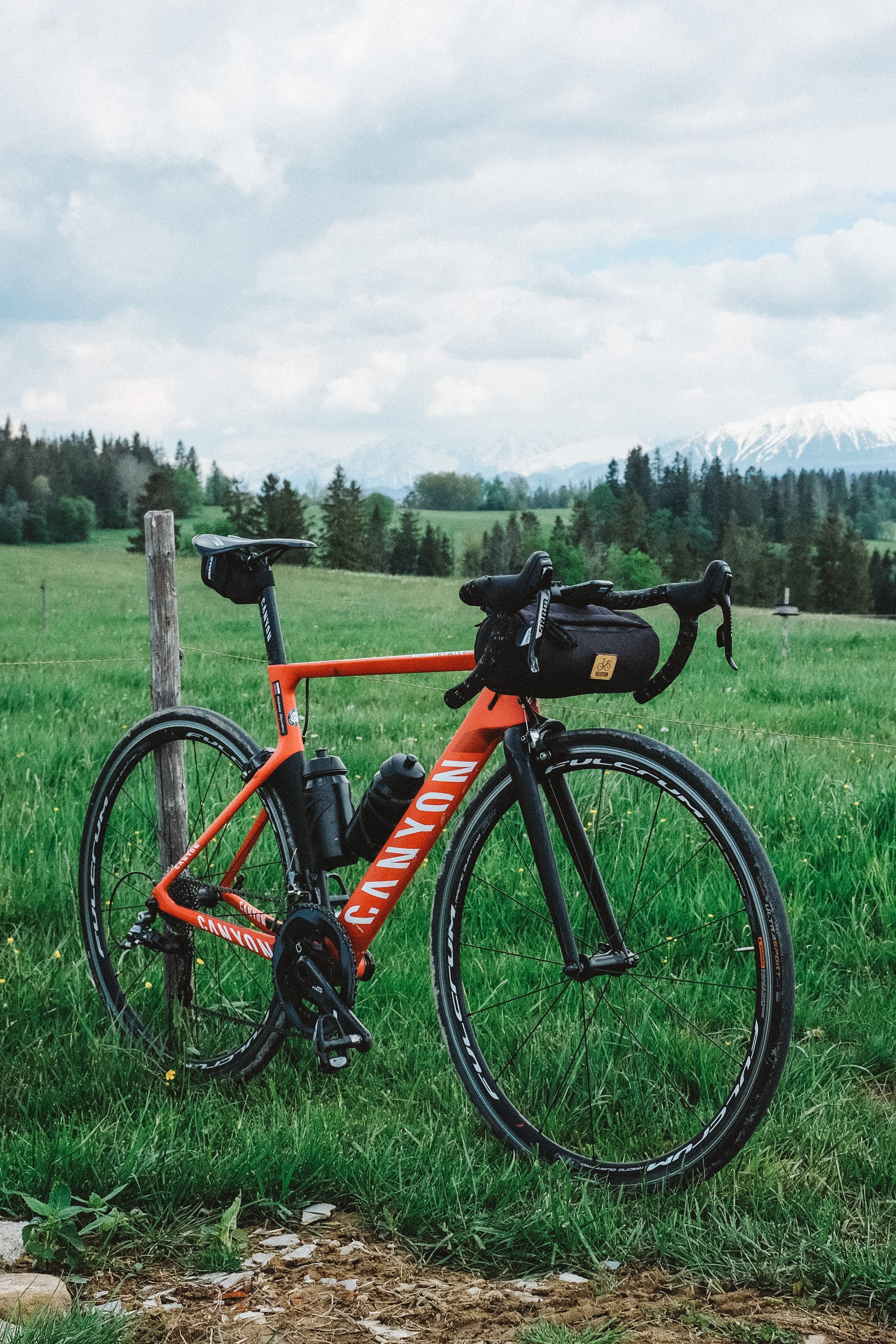Cayolle Handlebar Bag Navy Blue In 2020 Handlebar Bag Bicycle Bag Bike Handlebars