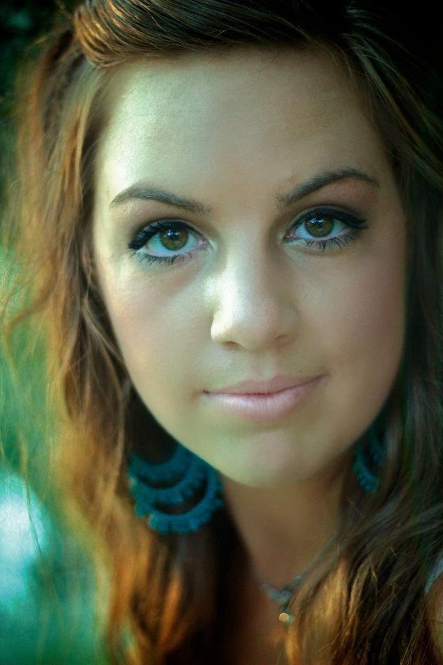 Girl senior photo