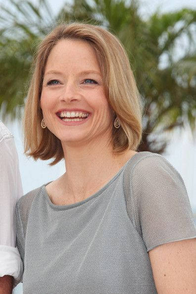 """Jodie Foster Photo - Mel Gibson and Jodie Foster at the Second Photocall for """"The Beaver"""" at Cannes 2"""