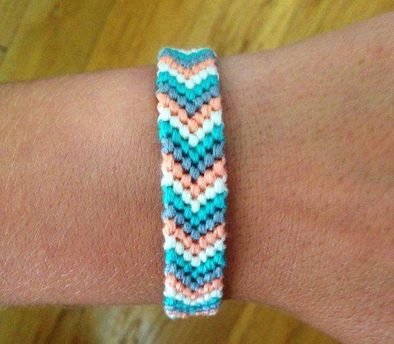 Bracelet CHEVRON Bermudes par SeaBeeBracelets sur Etsy #friendshipbracelets