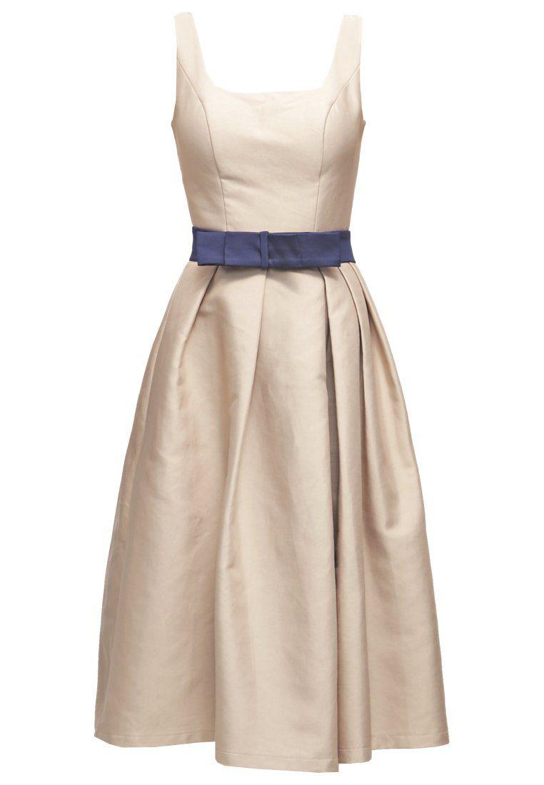 Großes Kleid, großer Auftritt. Chi Chi London CERI - Cocktailkleid ...