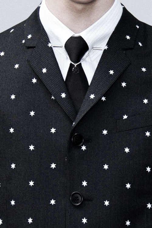 Really cool way to add a bit of individuality to your suit ...
