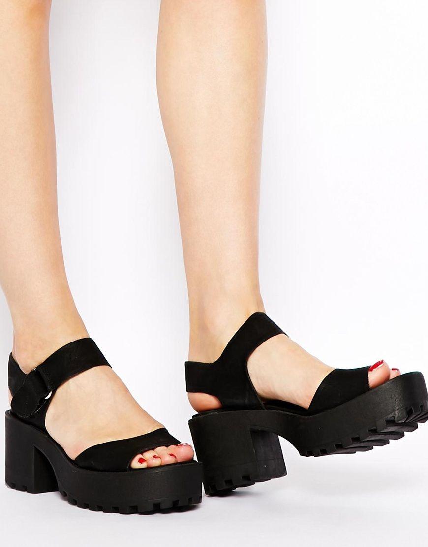 New Look Pounce Black Chunky Cleated Sole Kitten Heel Sandals Via Asos Zapatos Negros Tacon Zapatos Goticos Zapatos Zapatillas