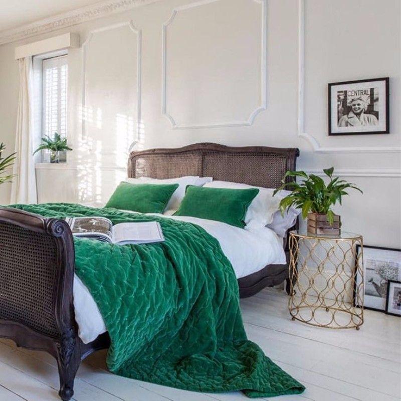 Green Bedroom Decor 10 Stunnning Emerald Green Bedroom Designs