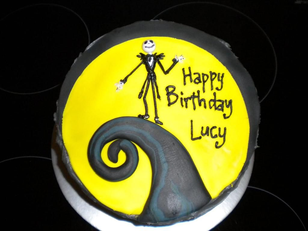 The Nightmare Before Christmas Cake : Easy Nightmare before ...