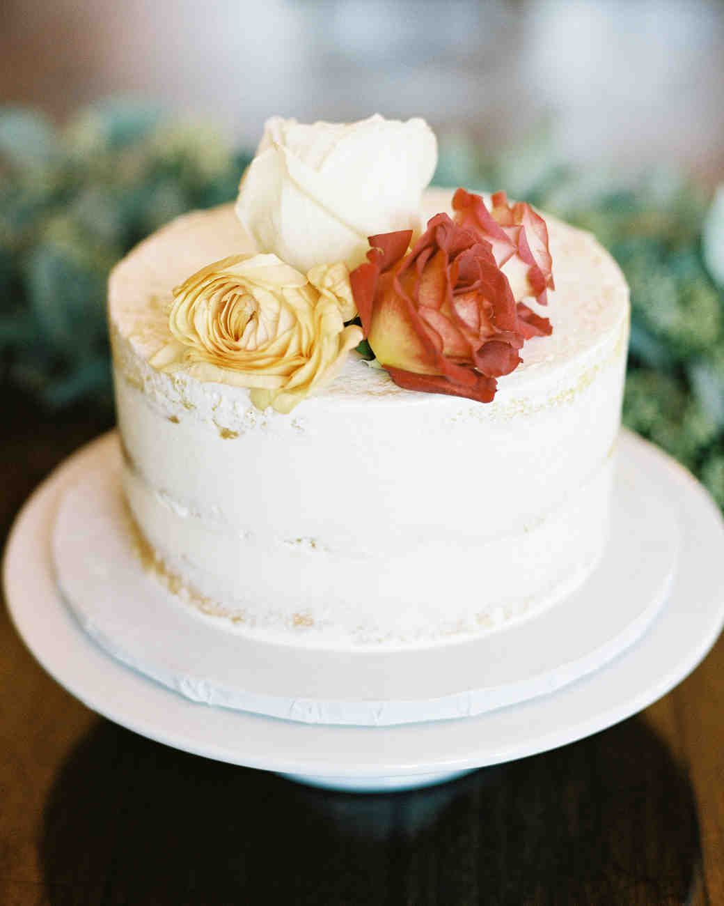 49 Fall Wedding Cakes We Re Obsessed With Fall Wedding Cakes Wedding Cake Fresh Flowers Wedding Cake Roses