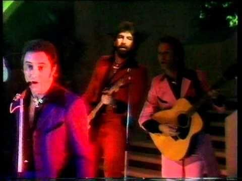 Showaddywaddy - Why Do Lovers Break Each Others Hearts 1981 - YouTube