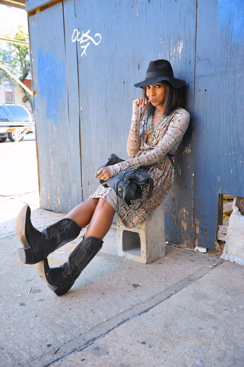 Karen Blanchard Black Cowboy Boots Outfit Cowboy Boot Outfits Black Cowgirl Boots [ 1202 x 800 Pixel ]