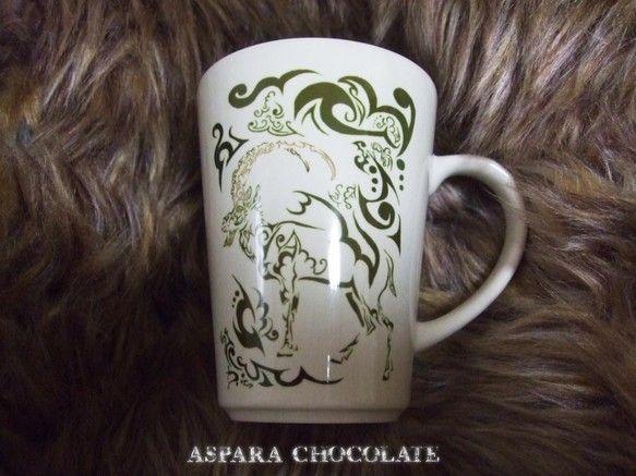 ノヤギという動物をモチーフにしたトライバル風デザインです。緑の濃淡と角の茶色で色使いをシンプルにしてみました。色々なマグカップを見てこの形がいいなぁと思い、こ...|ハンドメイド、手作り、手仕事品の通販・販売・購入ならCreema。