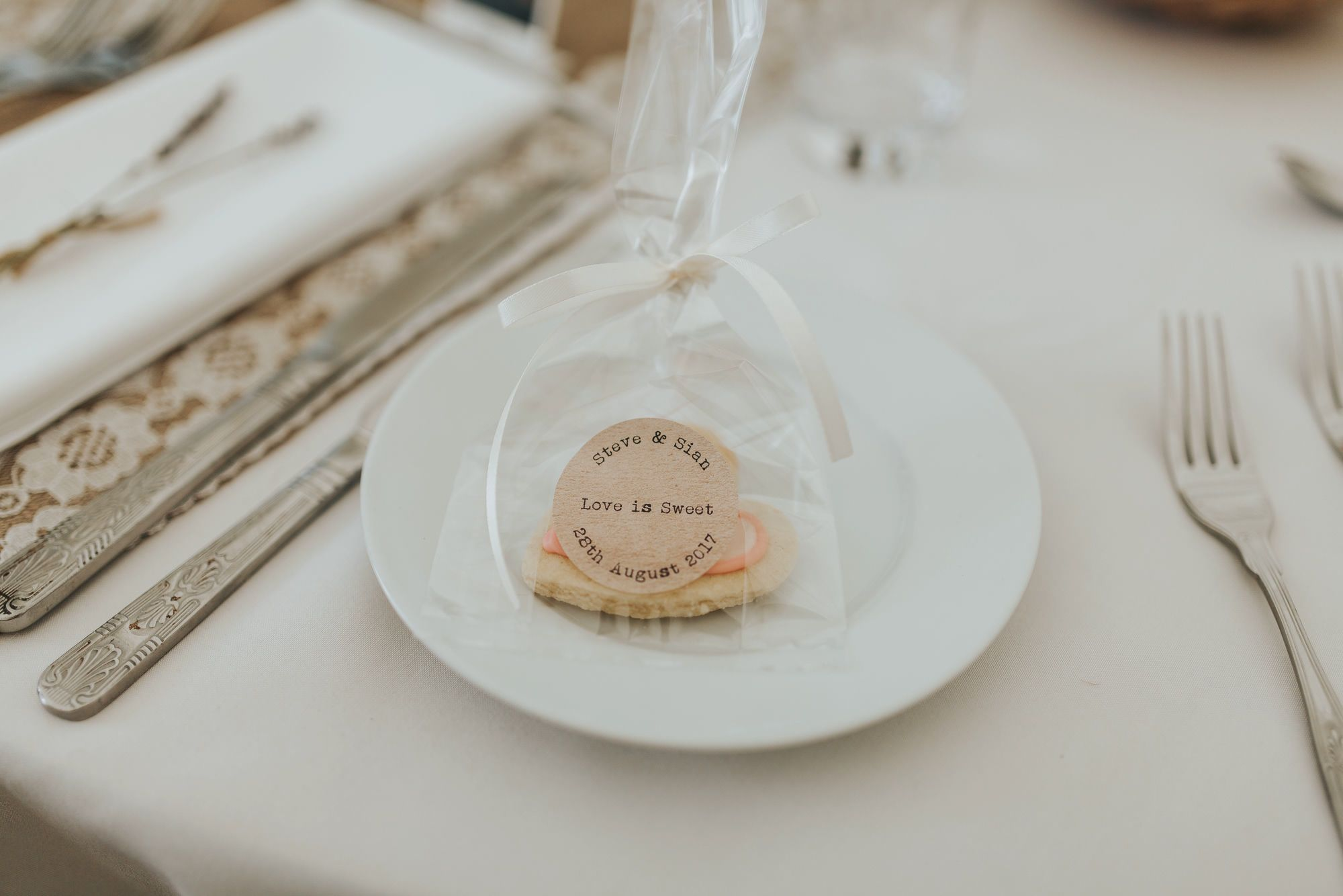 Wedding favours bags gifts hessian rustic diy bag planning weddings ...