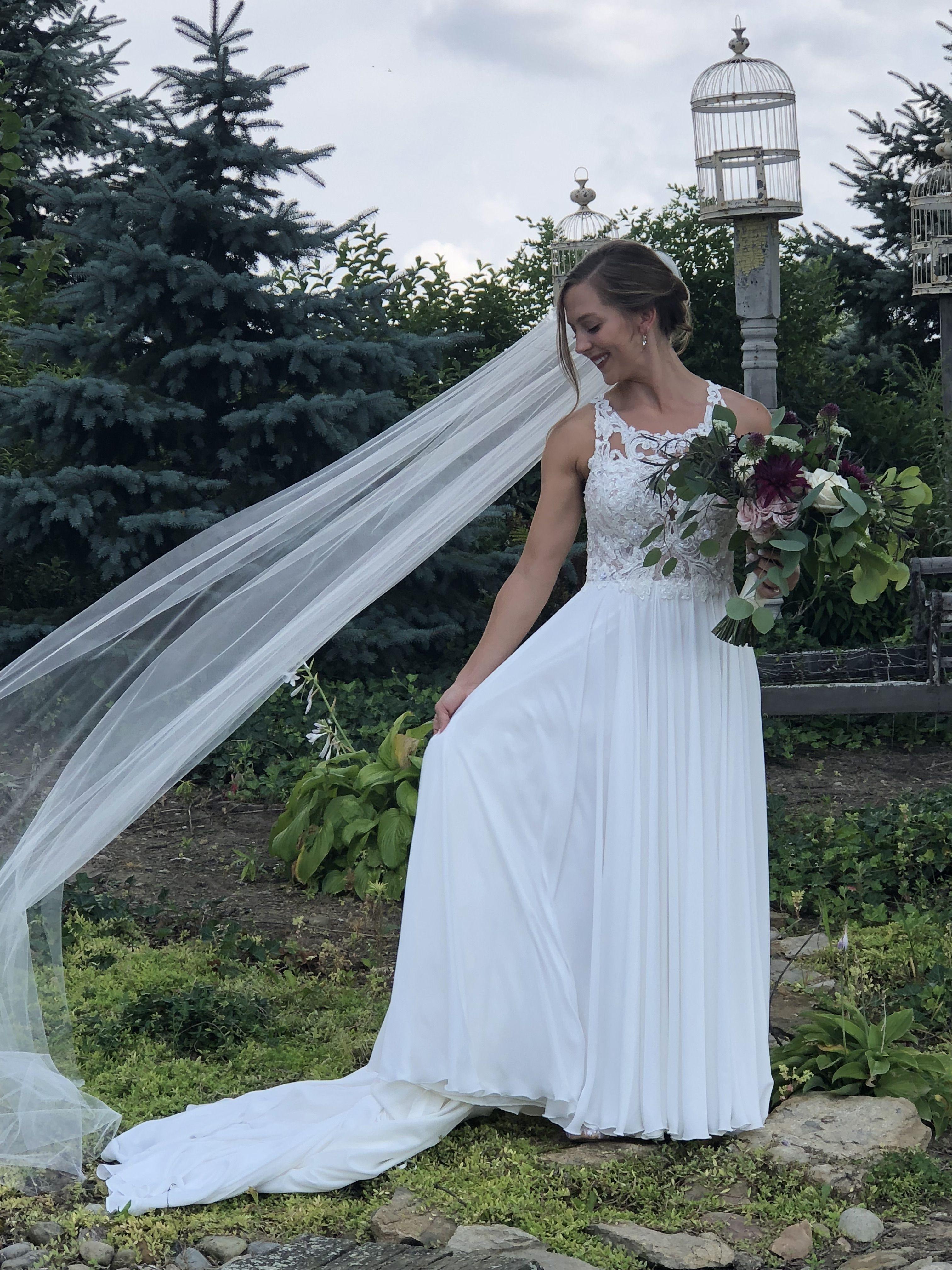 Beautiful gown! Peacock Ridge, Northeast OH | Beautiful ...