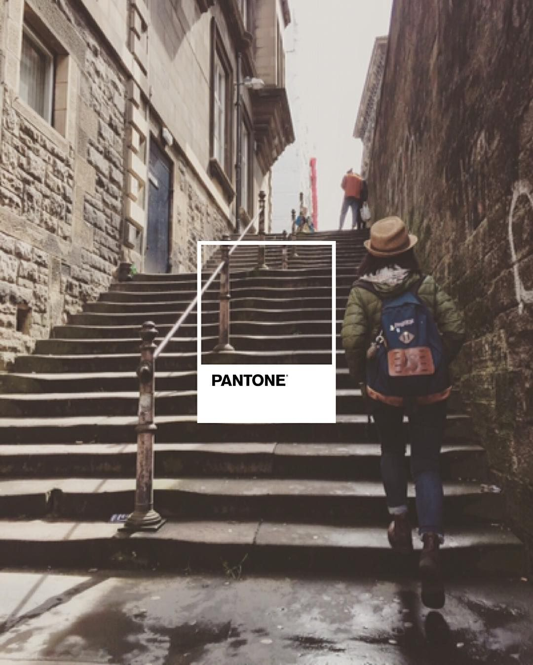 #pantone #coloursfortravelling #edinburgh #stairs #mikiandjoann