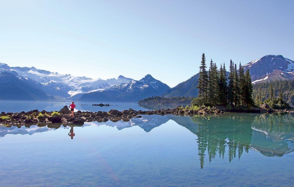 Rave Run: Garibaldi Lake, British Columbia  http://www.runnersworld.com/rave-run/rave-run-garibaldi-lake-british-columbia?internal_recirc=hpblock2 (hermoso lugar para dejar volar sueños con los pies)