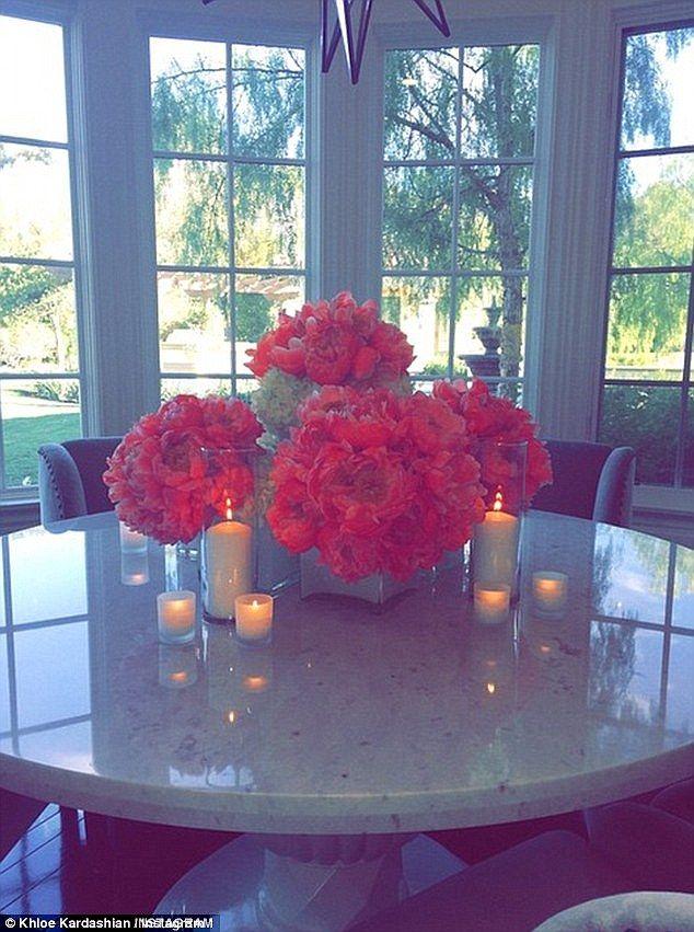 Khloe Kardashian announces she's hosting Thanksgiving